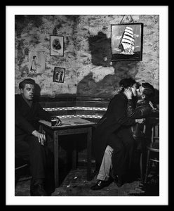 Image of SP10-At Charley Brown's pub, Limehouse, 1945
