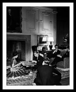 Image of SP26-In a Mayfair drawing room, 1939
