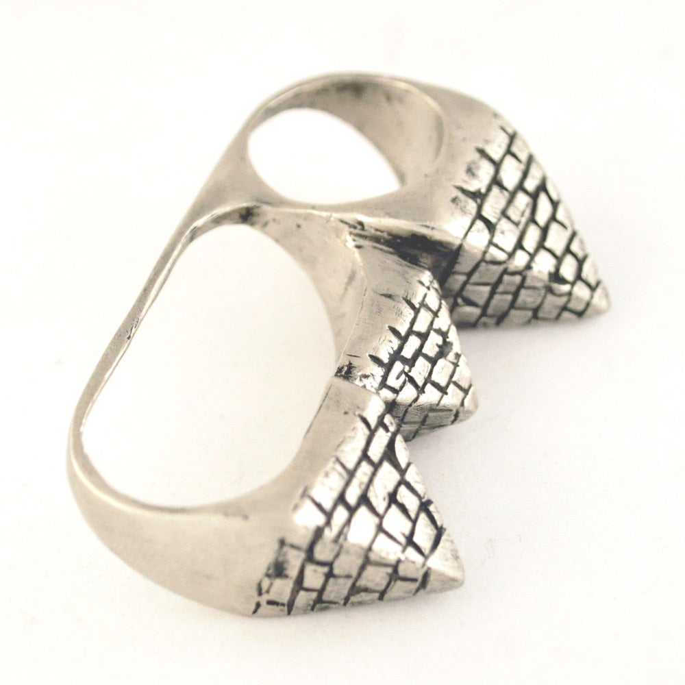 Image of 3 Finger Pyramid Ring white brass