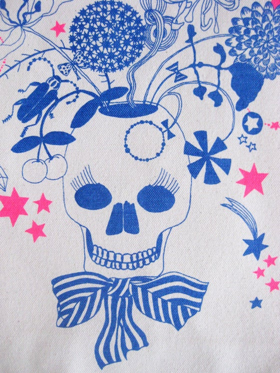 Image of Skull in bloom - Organic bag
