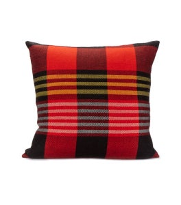 Image of SHUKA PILLOW crimson | noir 22x22