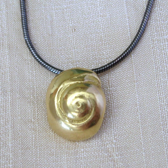 Image of 18k Gold Hatteras Snail Shell Pendant Necklace