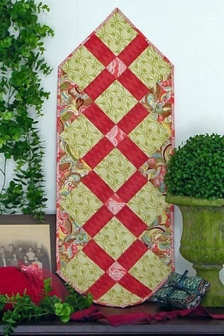 Image of Fat Quarter Table Runner V - Pattern Q114 PAPER pattern