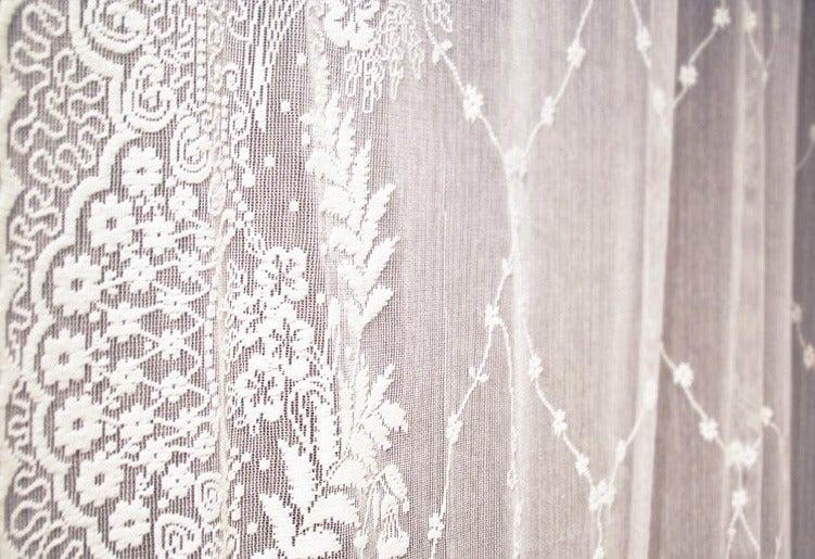 """Image of Tenda di pizzo """"Cornucopia"""" Anna French - Lace collection"""