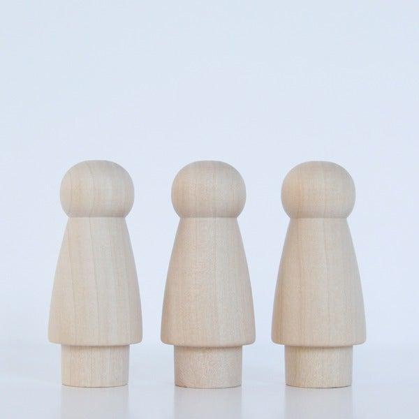 Image of Trois petites filles jupe courte