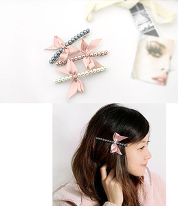 Image of Pearl Hair Clip w/ Bow