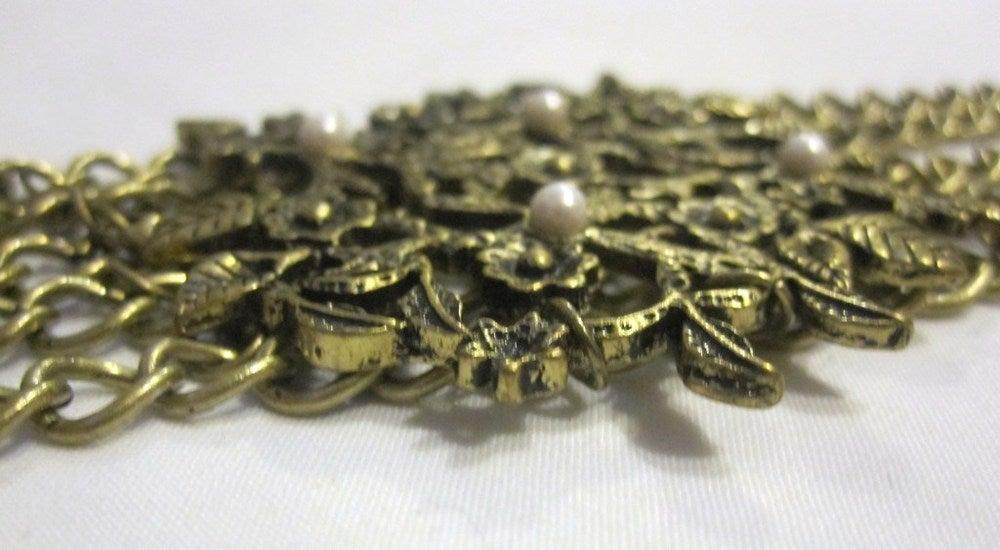 Image of Gold Leaf Pearl Bracelet