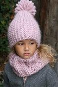 """Image of Bonnet Isaya"""" avec pompon amovible, alpaga & laine"""