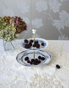 Image of Cake stand