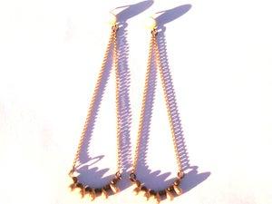 Image of Shoulder Sweeping Earrings