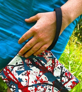 Image of Zippered Clutch Purse - Tree / Leaf red/black/teal