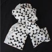 Image of Linen Geometric Print Scarf Black and Cream