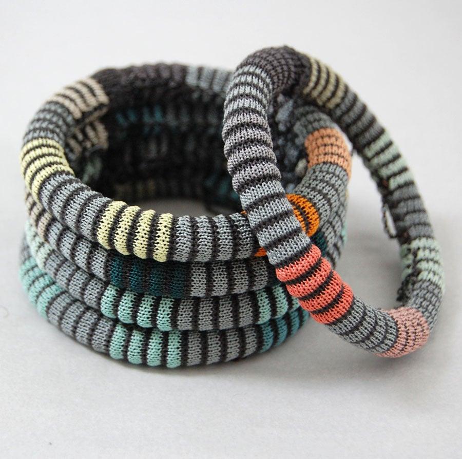 Image of Pixels Chain Bangle COLOUR 3