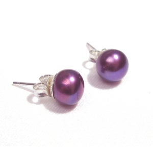 Image of Pearl Stud Earrings