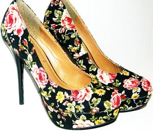 Image of Delicious Flower Print Pumps - Size 9