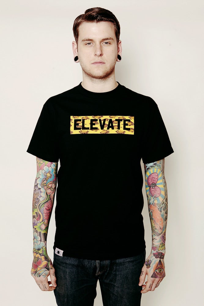 Image of LEOPARD ELEVATE TEE