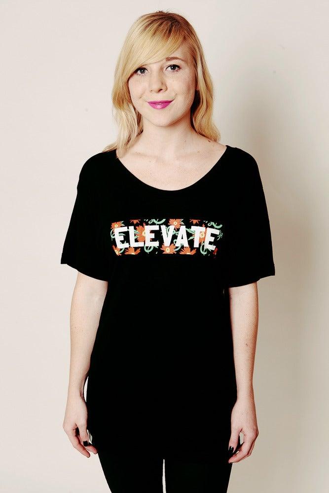 Image of ELEVATE FLORAL TEE
