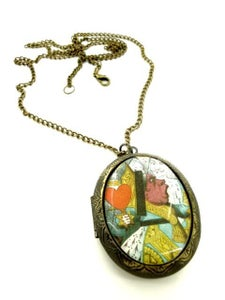 Image of Alice in Wonderland Queen Of Hearts Locket