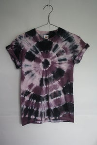 Image of HAND MADE TIE-DYE T-SHIRT. UNISEX. SIZE SMALL [8]