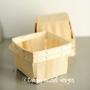 Image of Quart or Pint Sized Wood Berry Basket/Box