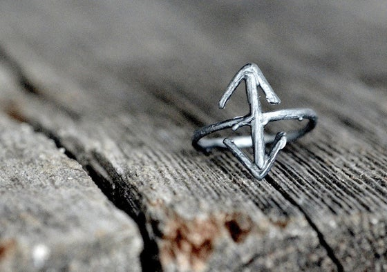 Image of TEIWAZ rune ring