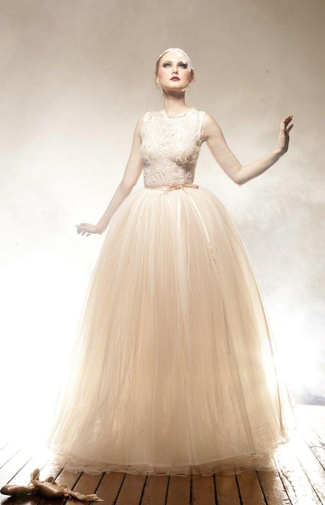 Vintage Lace Wedding Gowns Sydney : Scollop vintage lace wedding dress anaessia designer