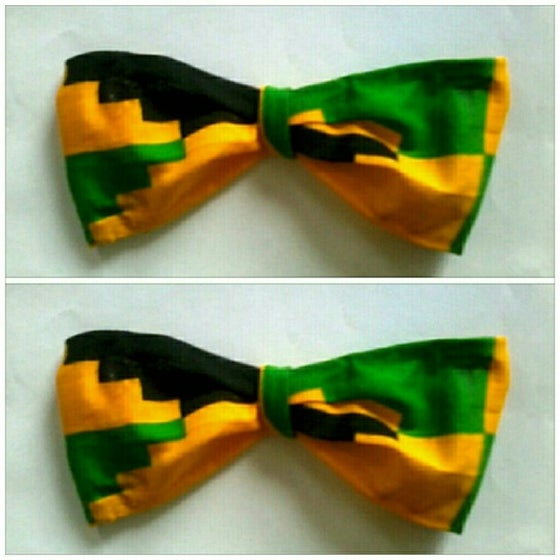 Image of Vekras Yellow/Green/Black Unisex Bow-tie