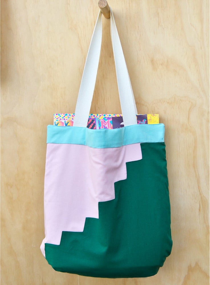Image of APPLIQUE TOTE 3