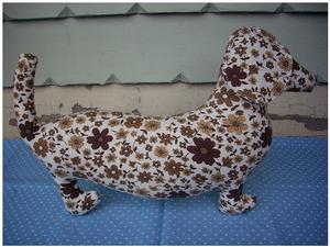 Image of Brown Flower - Moca the Sausage Dog
