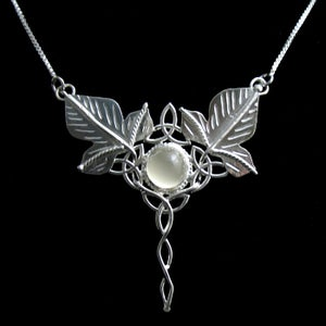 Image of Celtic Trinity Knot Pendant Necklace with Ivy Leaves