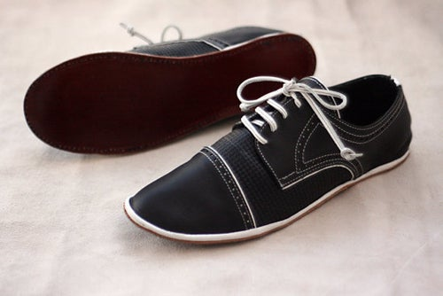 Image of Toecup Brogue Derby Shoes - Chaplin in Black and White