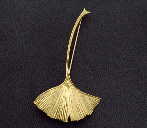 Image of Ginkgo Leaf Brooch 18K