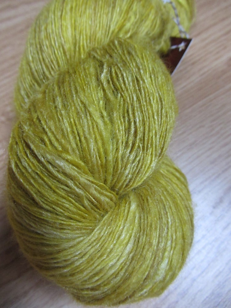 Image of Handspun Yarn: Electric Forsythia