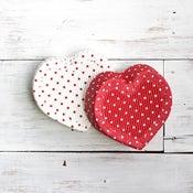 Image of Paper Bakeware Heart Cake Pan
