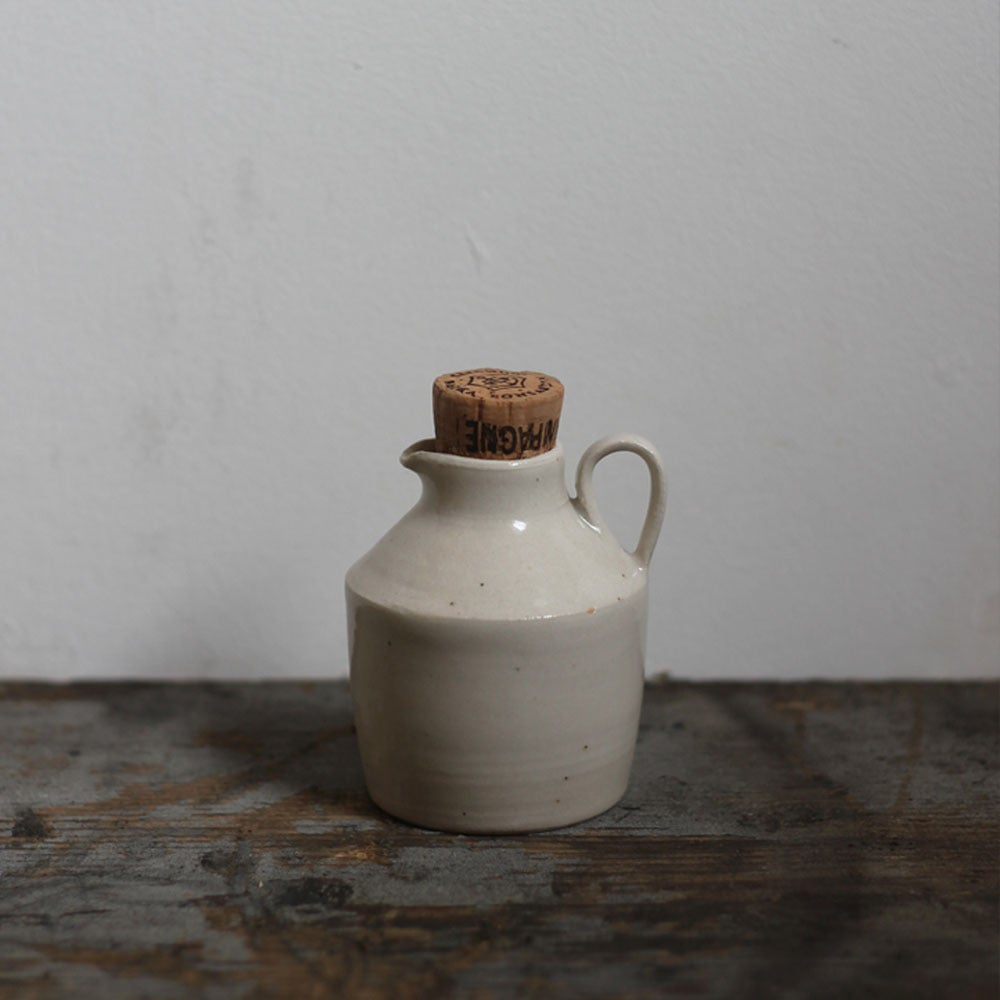 Image of Tiny bottle plain with handle