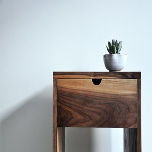 Image of 5.2 & 5.3 Tables de nuit . Nightstands