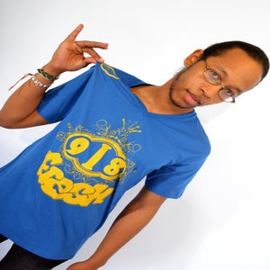 Image of 918 FRESH V-NECK