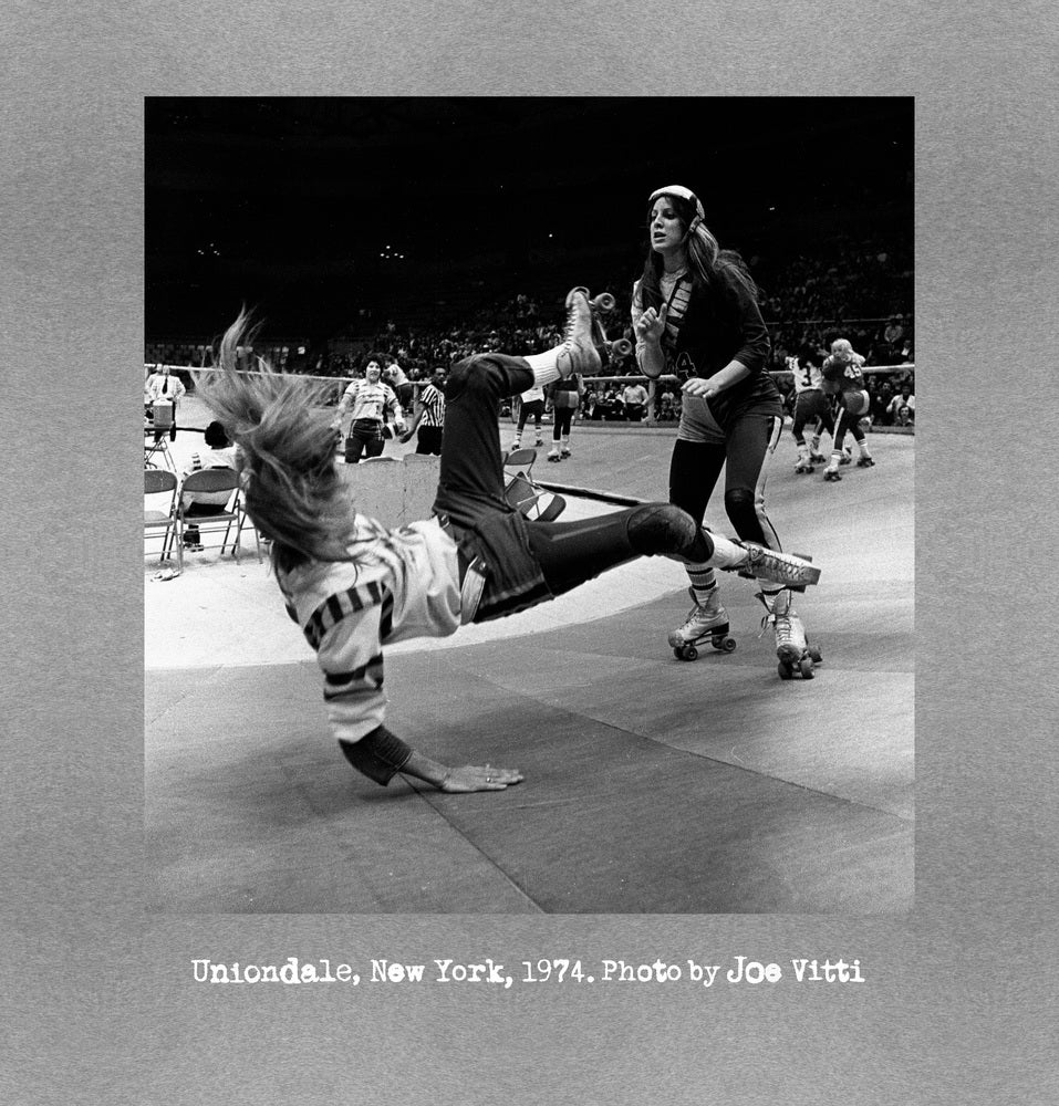 """Image of Roller Derby """"Uniondale, New York, 1974"""" MEN'S shirt (Grey)"""