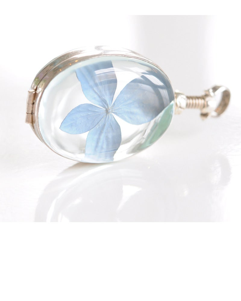 Image of Hydrangea Locket - Small / Oval or Heart