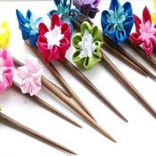 Image of Kanzashi Hair Sticks - Round petals