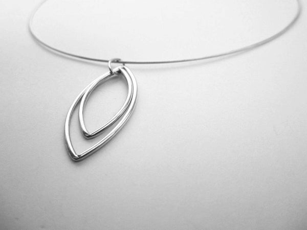 Image of Wire leaf necklace