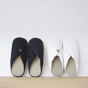 "Image of ""XINWU"" - Slipper"