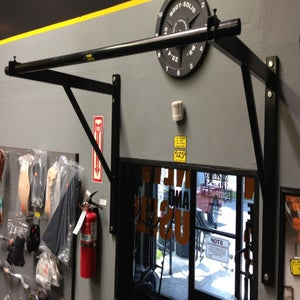 Image of Wall Mount Pull Up Rig