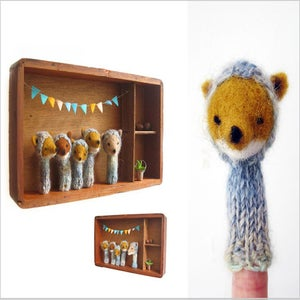 Image of Foxes Large Family Box
