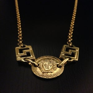 Image of Vintage Gianni Versace Gold Medium Double Sided Medusa Head Logo Greek Design Link Chain