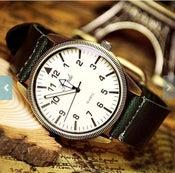 Image of Vintage Men's Women's Watch / Roman Fashion Quartz Watch (WAT00109 - Green)