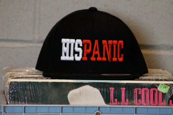 "Image of Black ""HISPANIC"" Snapback Hat"