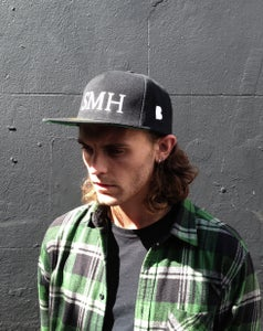 Image of 'SMH' SNAPBACK- BLACK