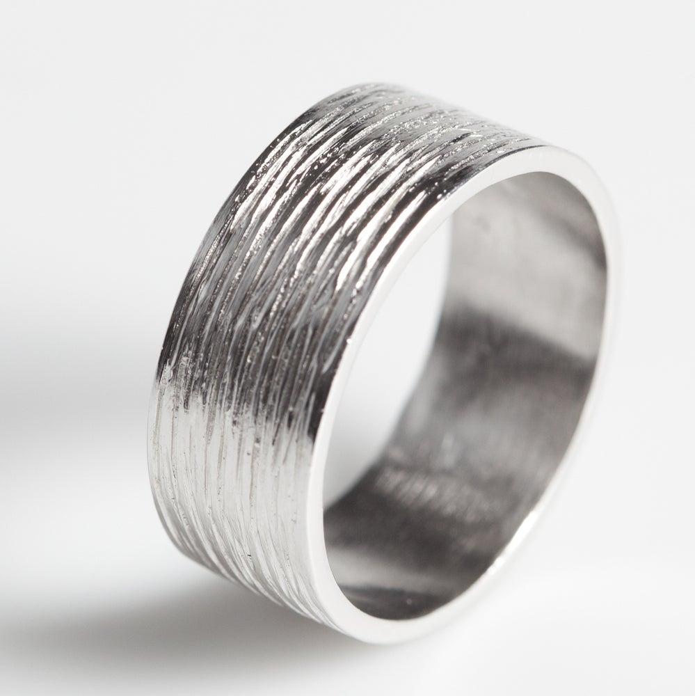 Image of Handgemaakte Trouwring met lijntjes - zilver, juwelen verkrijgbaar te Antwerpen