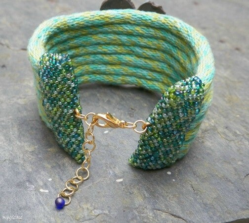 Image of SALE! Il Fiore Verde handmade kumihimo cuff